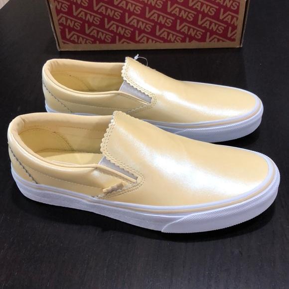 Vans Classic Slipon Pearl Suede Gold
